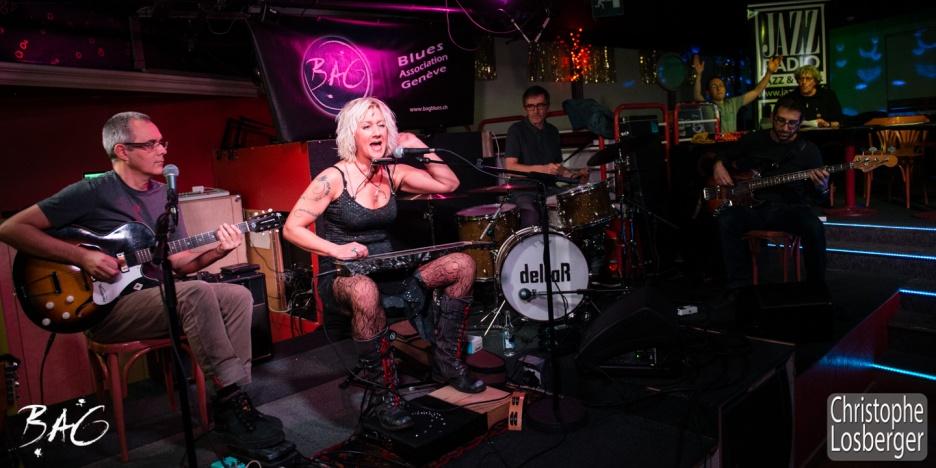 Sofie Reed (vocals, lap steel guitar, dulcimer, harmonica), Nicolas Roggli (guitar, vocals), Jean-Philippe Mercier (drums), Gabriel Scotti (bass). Sofie Reed and deltaR @ Blues Café & BAG Thursday, Geneva, 28-jan-2016. (c) Christophe Losberger