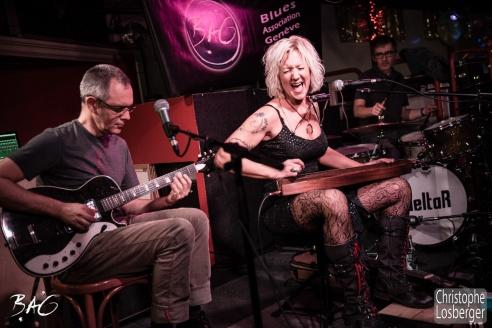 Sofie Reed (vocals, lap steel guitar, dulcimer, harmonica), Nicolas Roggli (guitar, vocals), Jean-Philippe Mercier (drums). Sofie Reed and deltaR @ Blues Café & BAG Thursday, Geneva, 28-jan-2016. (c) Christophe Losberger