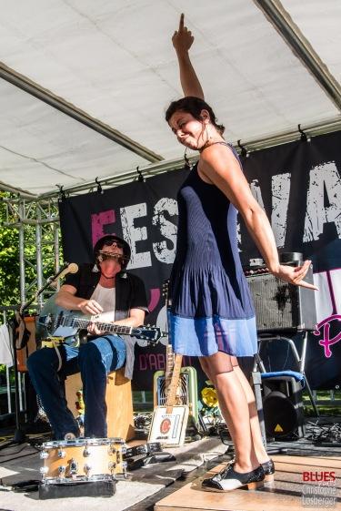 Greg Garghentini (vocals, guitar, cigarbox, percussions), Léa Barbier (tap dancing). One Rusty Band @ 5ème Blues Party, Les Jardins du Millenium, l'Isle d'Abeau (France), 10.06.2017. (c) Christophe Losberger