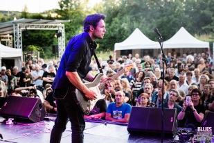 Aynsely Lister (vocals, guitar). Aynsley Lister Band @ 6ème Blues Party, Les Jardins du Millenium, l'Isle d'Abeau (France), 09.06.2018. (c) Christophe Losberger
